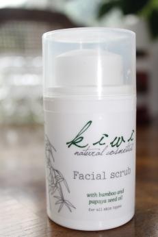 Kiwi Bamboo & Papaya Seed Oil Facial Scrub