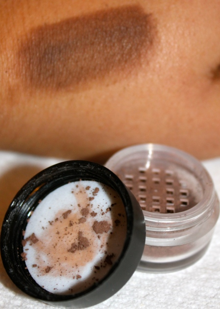 Inika Mineral Eye Shadow Coco Motion on hand