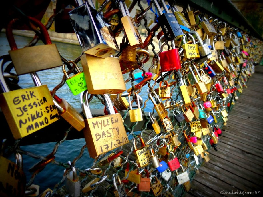 love_padlocks_on_the_pont_des_arts_bridge__paris_by_cloudwhisperer67-d5072mu