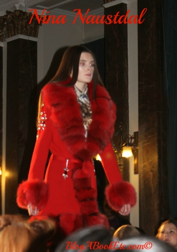 nina naustdal red coat